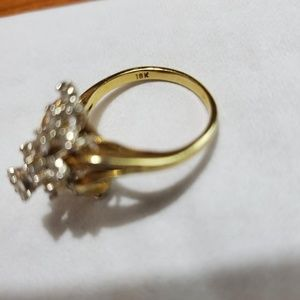 Jewelry - MAKE AN OFFER! 18K Gold Ring with 20 Diamonds